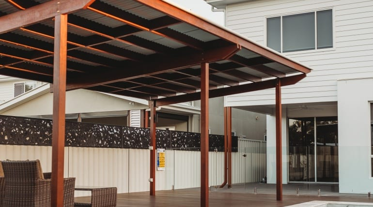 What to Consider Before Hiring a Custom Deck Contractor?