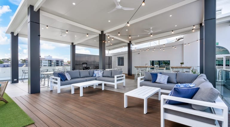 The One-stop Guide to Clean the Composite/Wooden Deck